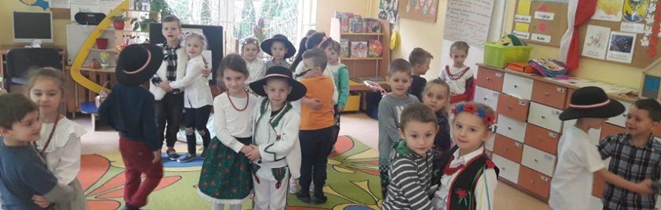 Dzień Góralski w grupie Biedronek