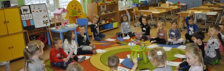 Projekty edukacyjne realizowane w grudniu i styczniu w grupie Biedronek, Sówek i Żabek